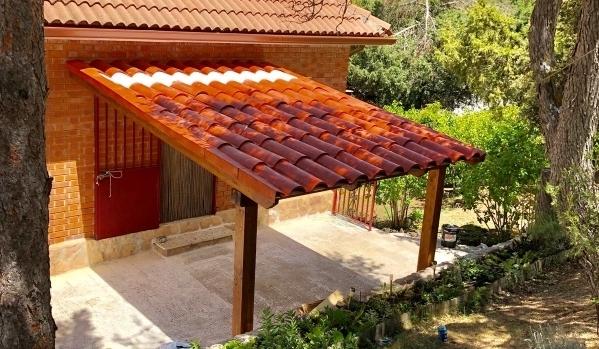 Crea techos para pérgolas de ensueño con tejas plásticas RoofEco.