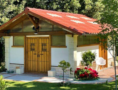 Tejas translúcidas Roofeco para pérgolas llenas de luz natural